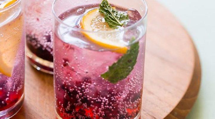 Talks & Treasures - Buitenborrel met kleurige cocktails