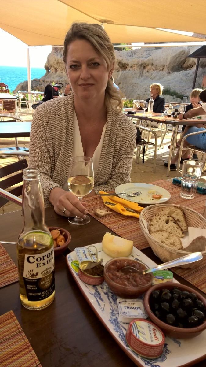 Talks & Treasures- Algarve Boneca Bar