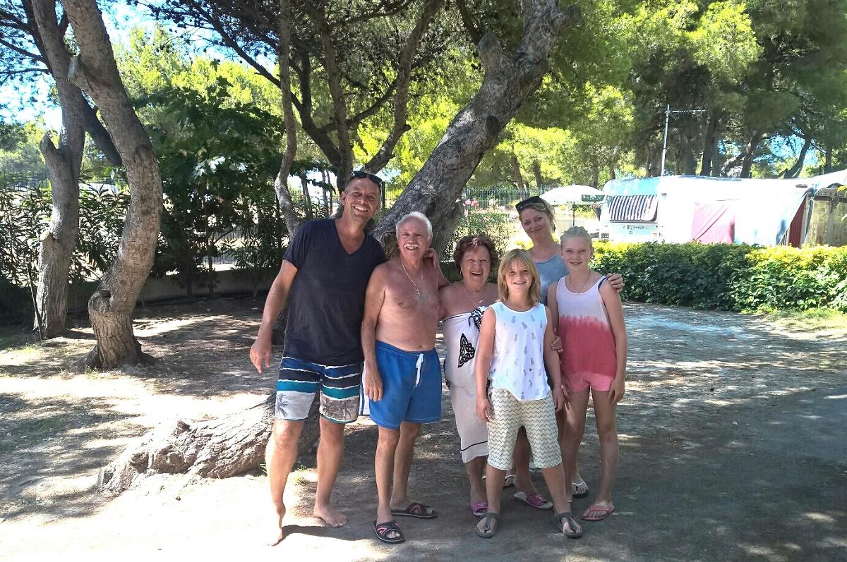 Talks & Treasures - kamperen aan zee- buren
