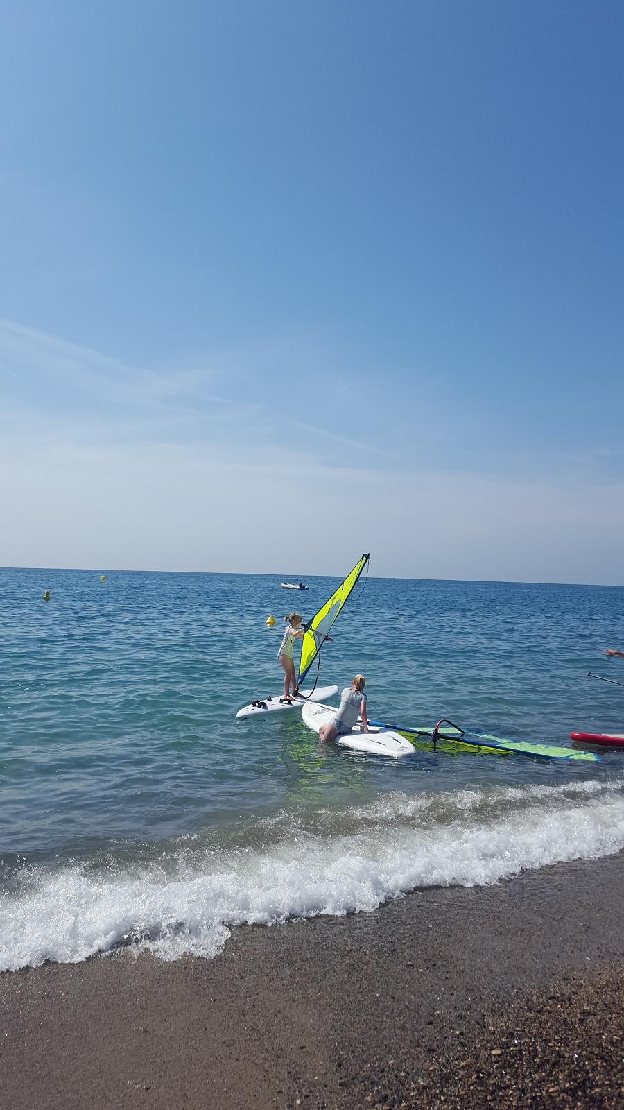 Talks & Treasures - kamperen aan zee - surfen