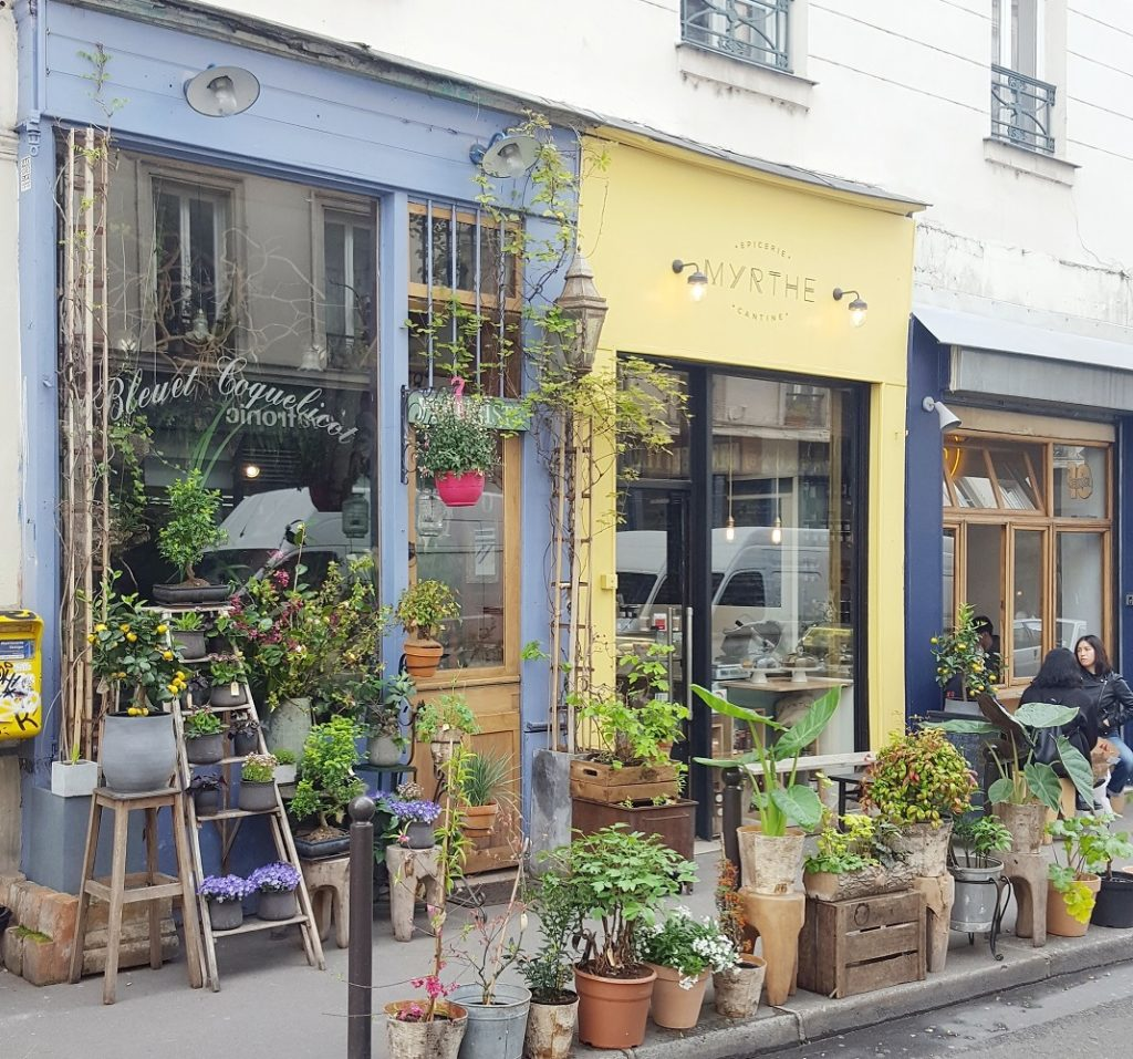 Talks & Treasures - Canal Saint Martin Parijs