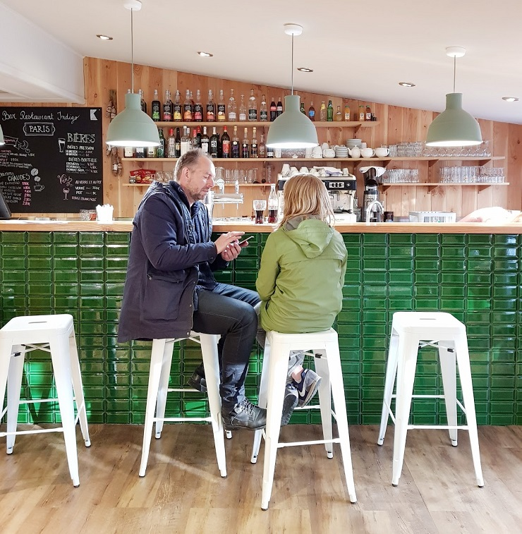 Talks & Treasures - Camping in Parijs - tussen het groen aan de Seine