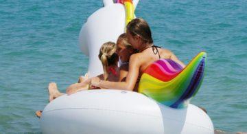 Talks & Treasures - Met tieners op vakantie in het buitenland - 1