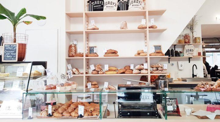 9x knapperig brood en taarten van bakkers in Rotterdam