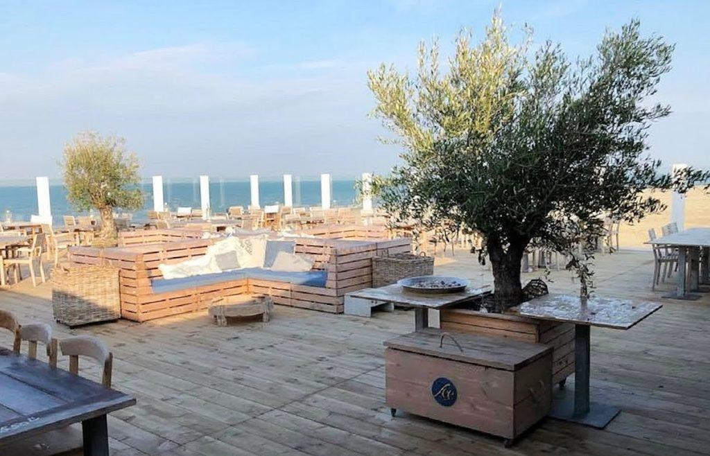 CHEERS maak 3x kans op een tegoedbon van € 35,00 bij Strandclub Zee