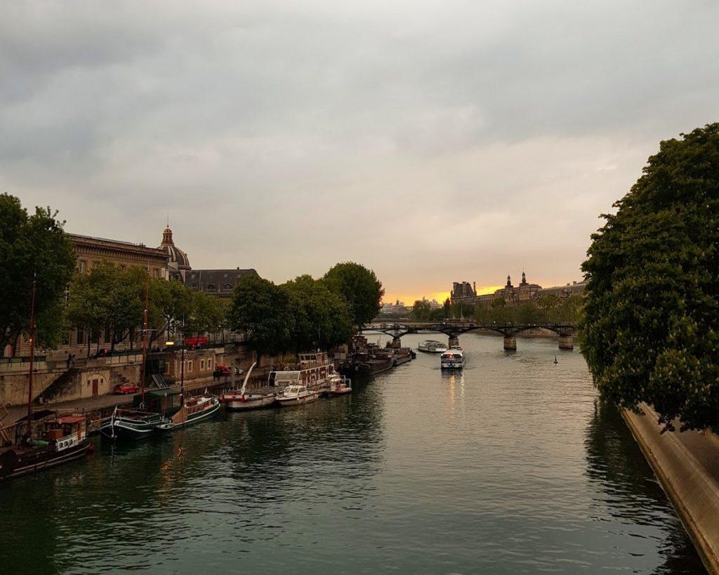Talks & Treasures - hoe je goedkoop eerste klas naar Parijs reist